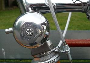 Ratapoil une sonnette de vélo